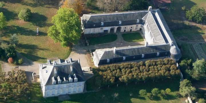 oulmes-ecuries-chateau-vendee